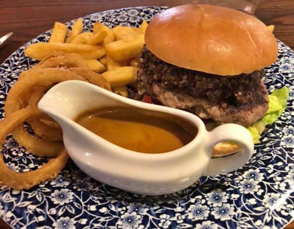 hamburger di haggis scozzese - dove mangiare haggis - che sapore ha l'haggis