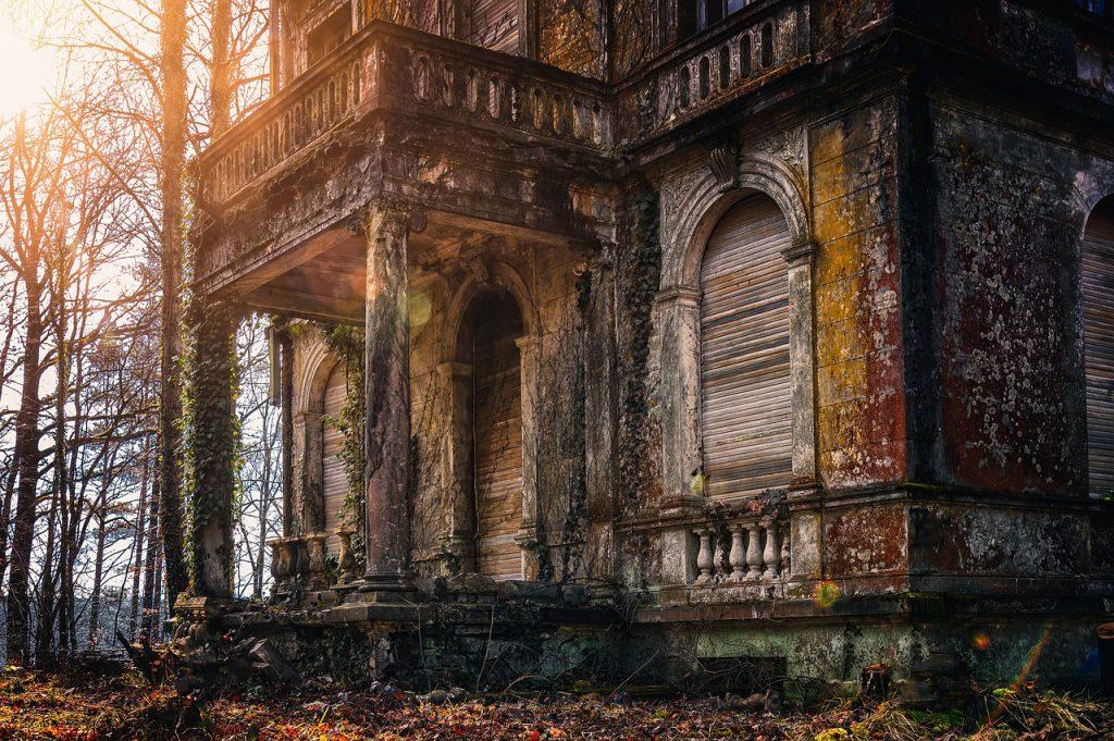 castelli infestati e racconti horror - storie che fanno paura