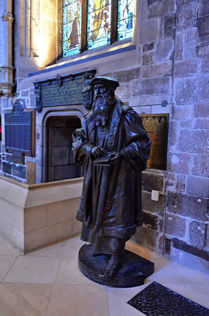 st giles' - john knox statua