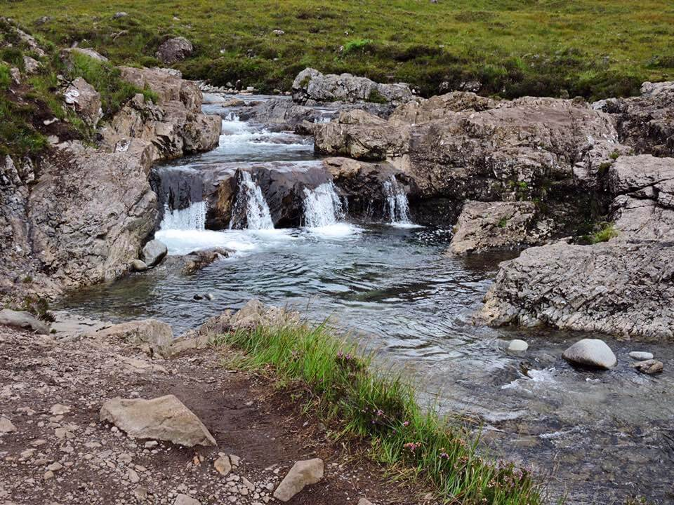 isola di skye  scozia - fairy pools