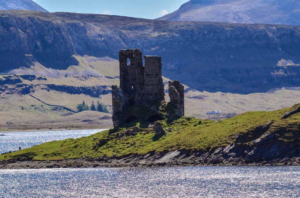 ardvrech castle - loch assynt - north coast 500 itinerario