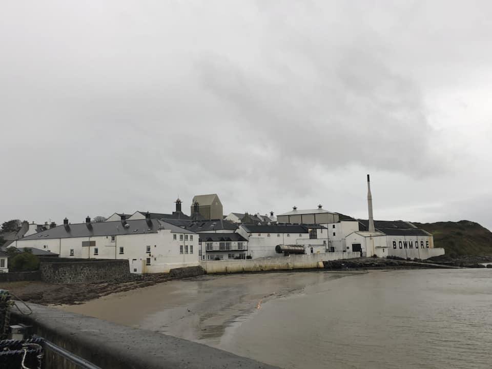 whisky delle isole - distillerie da vedere in scozia - bowmore distilleria