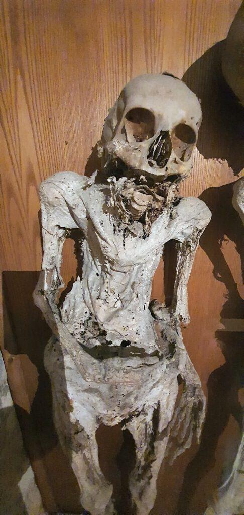 il cimitero delle mummie, urbania