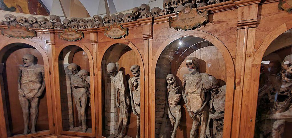 chiesa dei morti urbania