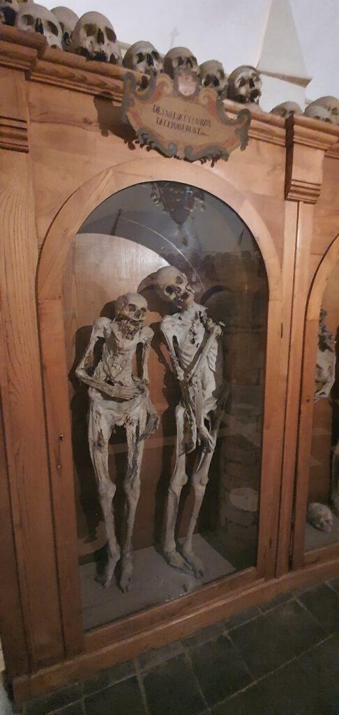 il cimitero delle mummie di urbania