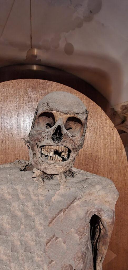 cimitero mummie urbania