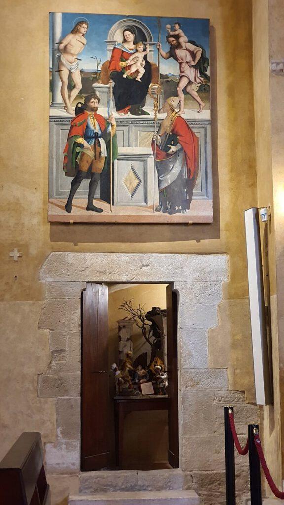 chiesa di sant'agostino, torre di palme, la madonna col bambino