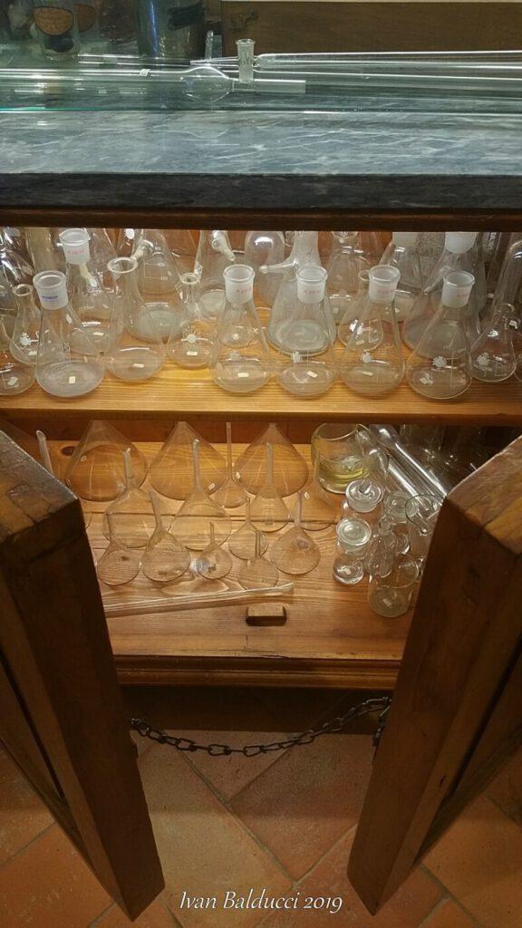 la stanza dei vetri, museo aboca