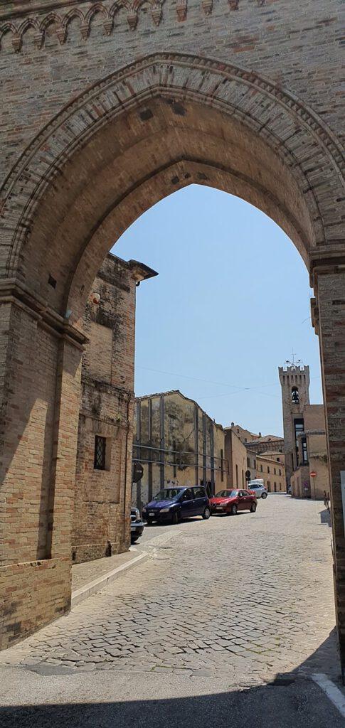 antiche porte, cinta muraria