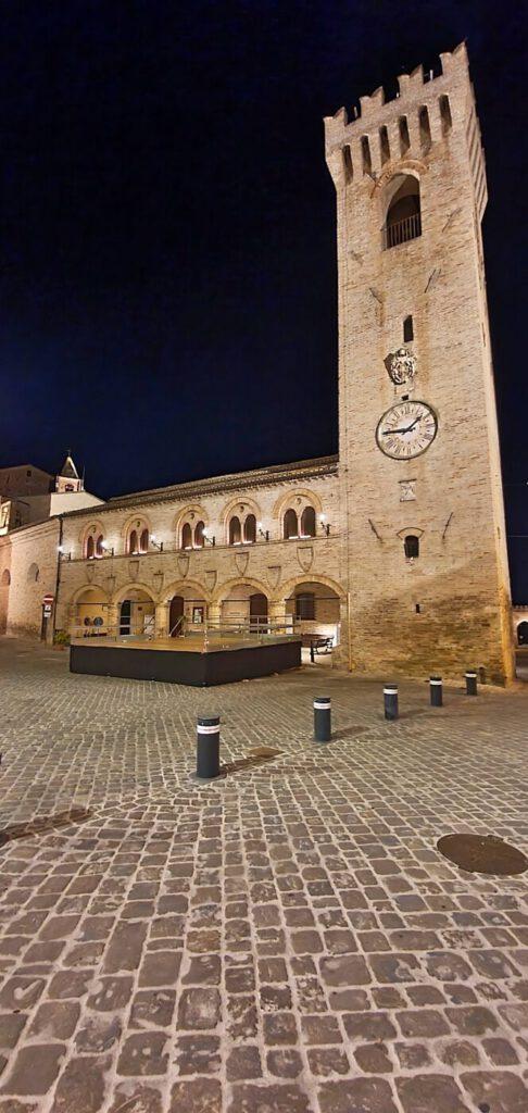montelupone palazzetto del podestà e torre civica