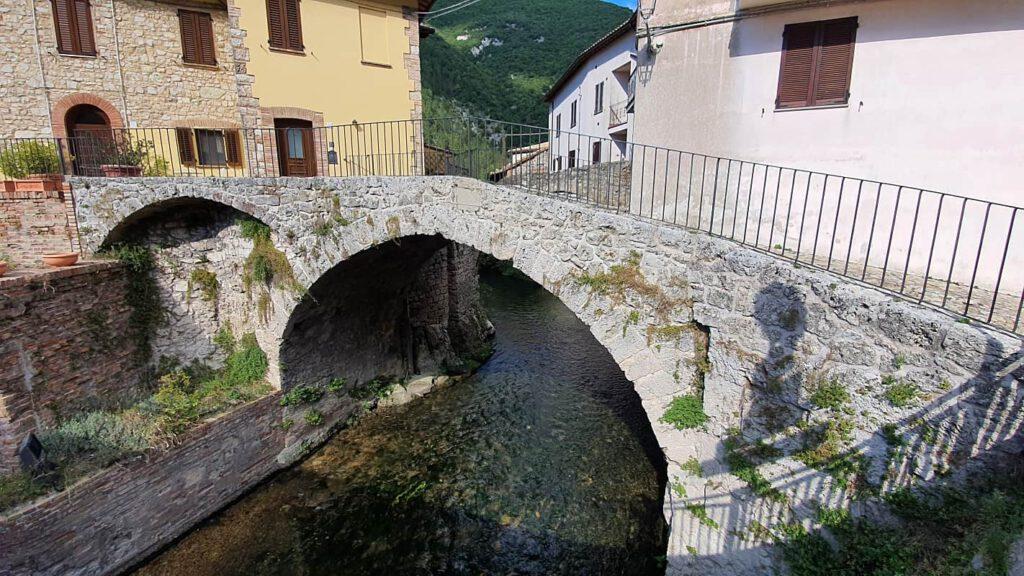 ponte marmone pioraco