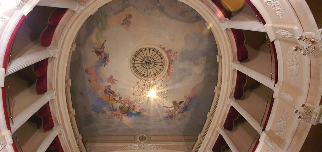 teatro san nicola degli angeli, teatri da vedere nelle marche